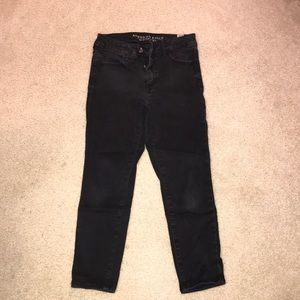 American Eagle Black Hi Rise Jegging Crop Size 8